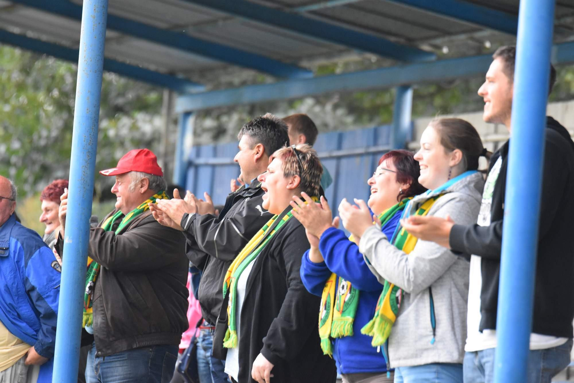 TJ Start fotbalisté a fanoušci. Foto J.P. Pojar