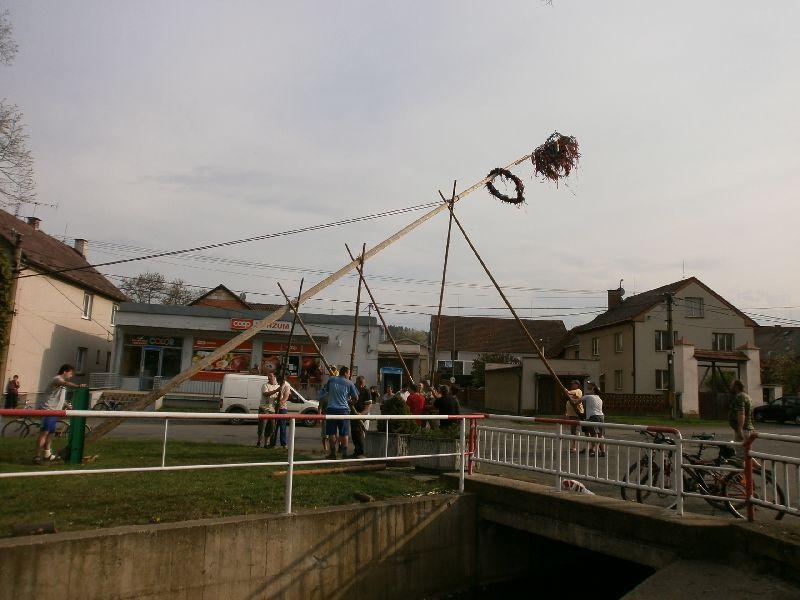 Stavění máje 2012